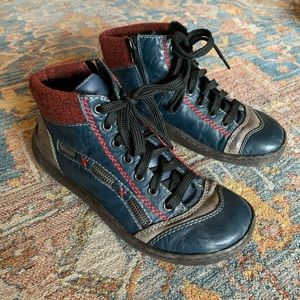 Rieker blue lace up ankle hiking boot, size 8